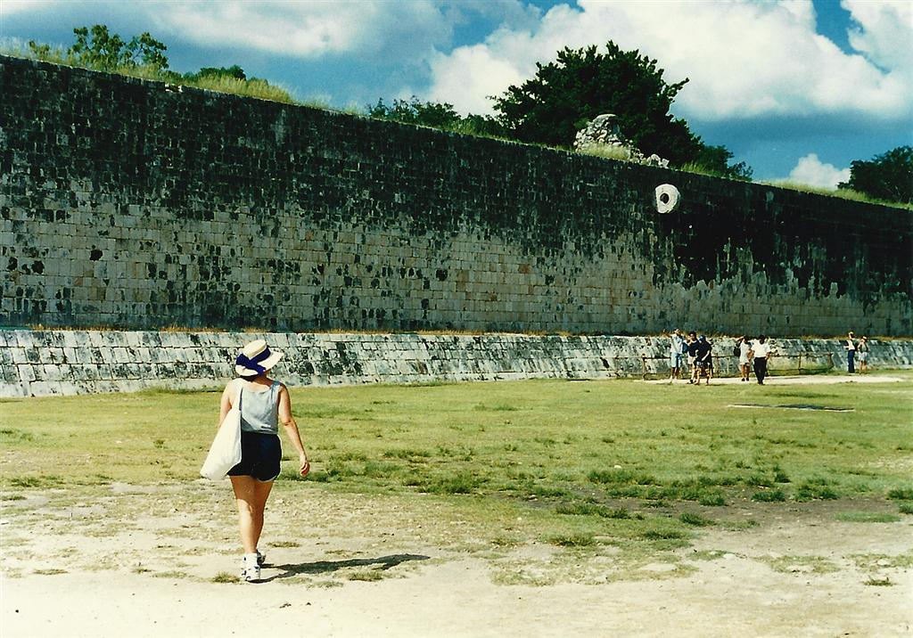 chichen-itza-ball-court-interior-note-the-hoop-high-on-the-wall-