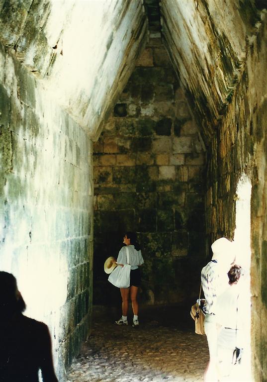inside-el-castillo