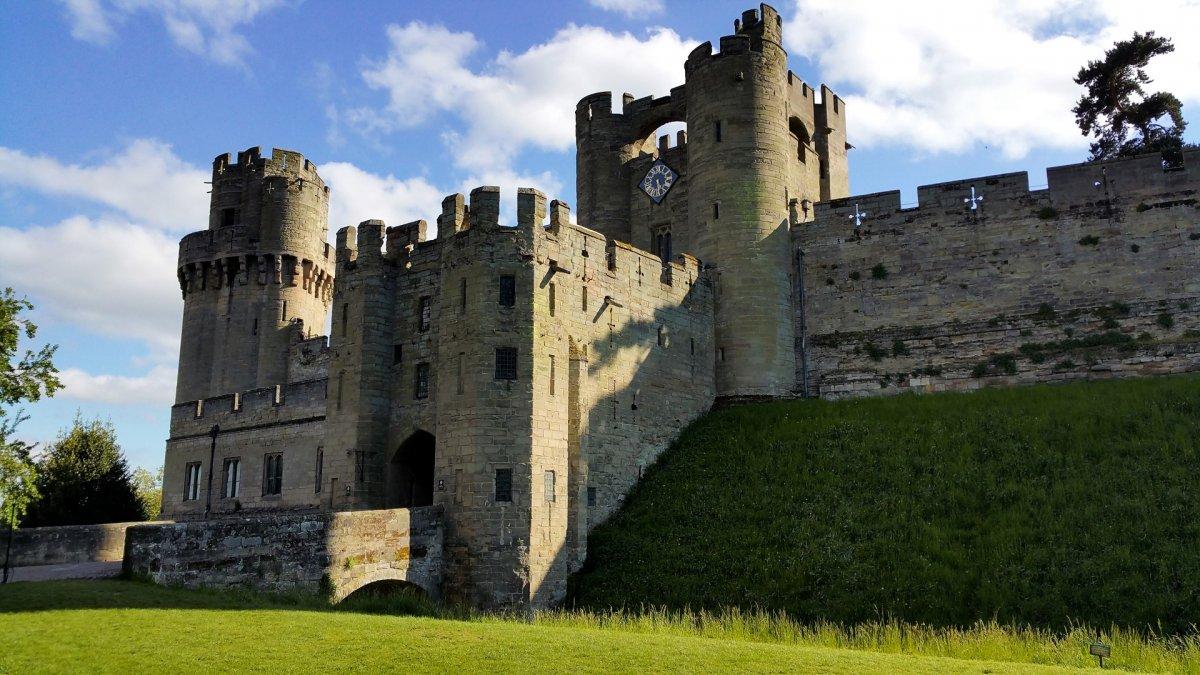 Warwick castle events 2015