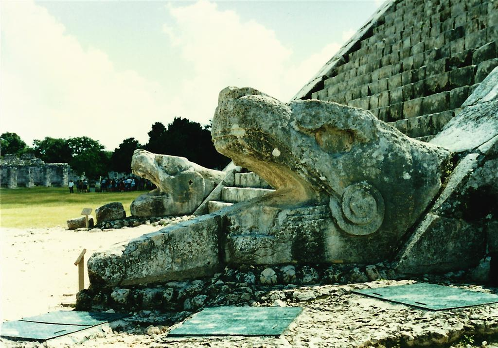 kukulkan-at-the-base-of-el-castillo