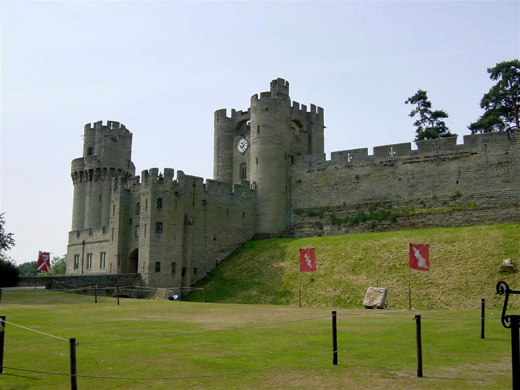 Warwick Castle - entrance