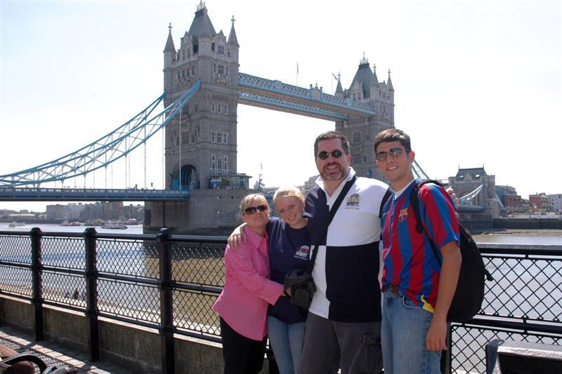 The Balettie Bunch with Tower Bridge