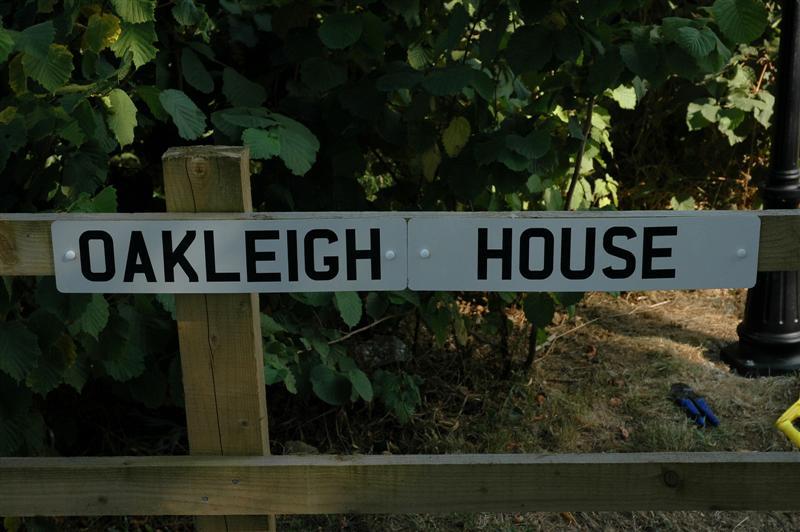 Oakleigh House sign