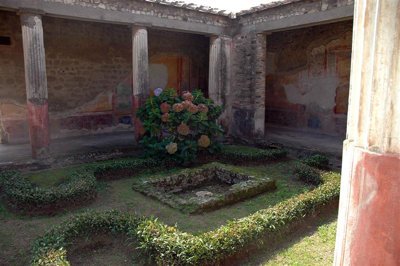 Beautiful Pompeii garden