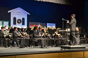 conducting-the-fhs-concert-band-5-