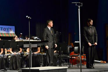 welcomed-back-to-the-podium-for-the-fhs-wind-ensemble