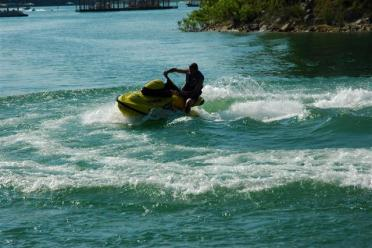 dad-pulls-some-gs-on-the-jetski