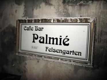 palmie-cafe-sign