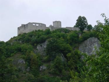 castle-on-hill-2