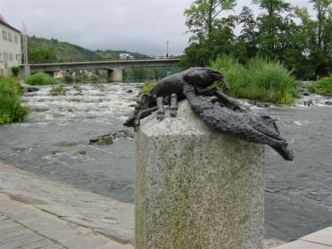 lobster-sculpture-and-rapids