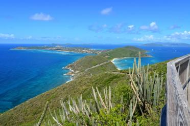 Virgin Gorda lookout - both sides of the island at once 1