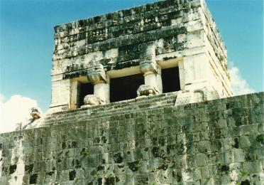 Temple atop El Castillo