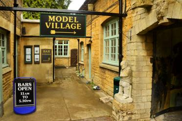 Bourton-on-the-Water model village (15)