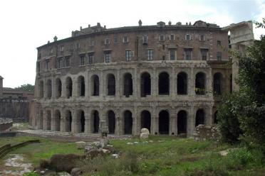 Colosseum-looking building near lunch location (1)