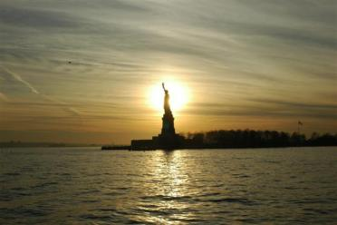 22Dec04 - Statue of Liberty